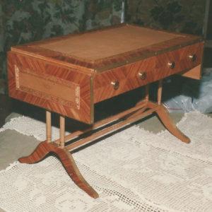 bureau miniature 1