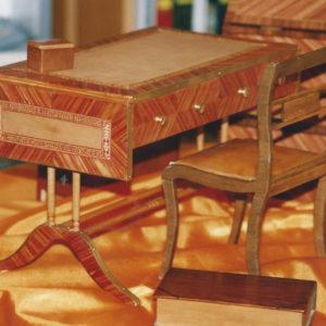 bureau miniature